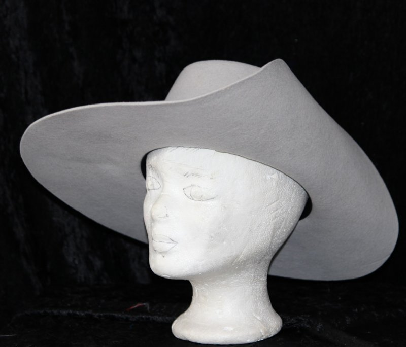 Damenhut Style 3 Rohling, ungarniert mit Stretchfutter, ohne Einfass